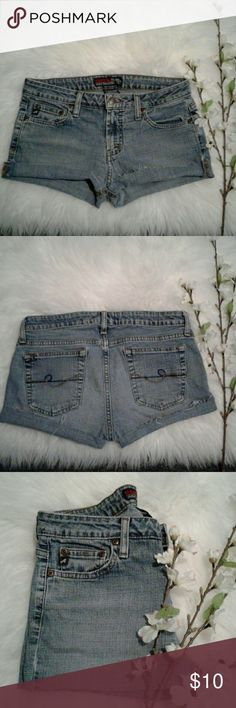 "Aeropostale sz 5/6 Cut Off Jean Shorts Excellent rebuild condition  Shorts have been cut, Frayed & Distressed for style 90% cotton-8% polyester-2% spandex 5 pockets-zip up fly-button closure Waist: 15"" (relax laying flat from left to right) Length: 10"" (frayed) 8"" (folded) Front rise: 8.5"" Wear 2 ways Frayed or Folded for 2 Different Styles Aeropostale Shorts Jean Shorts"