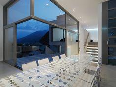 asymmetrische Fenster Glastisch Esszimmer