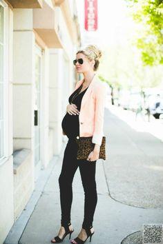 30. Pop of Pink - 51 #Amazing Maternity #Street Style #Shots for #Fashion #Inspiration ... → Fashion #Loren
