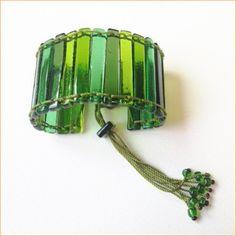 Glass jewelry • green bracelet