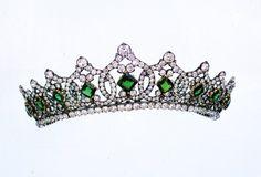 Tiara di smeraldi della duchessa d'Aosta Elena d'Orleans