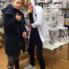 In love w/ Marcus and Martinus. They are bae Cute Twins, Cute Boys, Dream Boyfriend, You Are My Life, I Go Crazy, Twin Brothers, Cameron Dallas, Back Off, Bambam