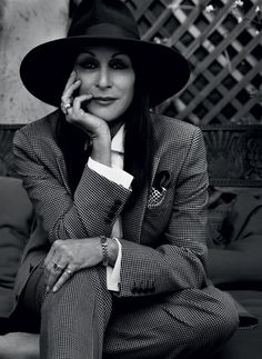 Style Icon: Anjelica Huston | black & white & chic all over