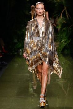 Balmain Spring 2017 Ready-to-Wear Collection Photos - Vogue