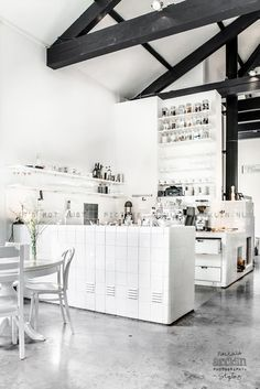 ~All white Cafe Interior Design~ Cafe Interior, Kitchen Interior, Home Interior Design, Interior And Exterior, Loft Kitchen, Simple Interior, Cafe Restaurant, Restaurant Design, Cafe Bar