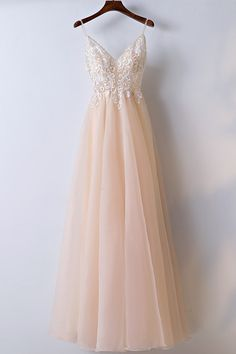 Sexy champagne tulle spaghetti straps long prom dress with appliques