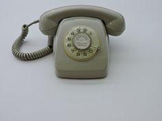 Museo Telecomunicaciones - Teléfono Heraldo, fabricado a partir de los 60