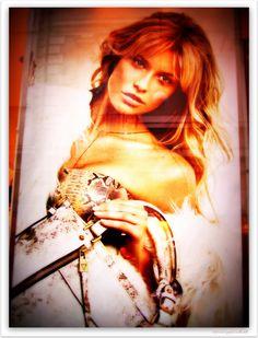 https://flic.kr/p/p1d4hh   Vetrine..   © TUTTI I DIRITTI RISERVATI © Tutto il materiale nella mia galleria NON PUO' essere riprodotto, copiato, modificato, pubblicato, trasmesso e inserito da nessuna parte senza la mia autorizzazione scritta.     © ALL RIGHT RESERVED© All material in my gallery MAY NOT be reproduced, copied, edited, published, transmitted or uploaded in any way without my permission Please do contact me if you wish to use any of my images.     Por favor no use mis imágenes…