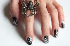25 Nail Ideas for Halloween | Buzzfeed