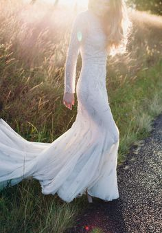 Bring on the full drama with long sleeved mermaid wedding dresses, perfect for a fall or winter event. It leaves just enough to the imagination, and has the potential to incorporate an open back. | Glamorous Mermaid Wedding Dresses