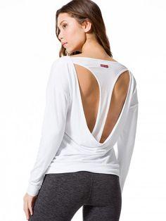 slouch-back-sweatshirt-800×1067