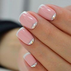 French Nail Art designs are minimal yet stylish Nail designs for short as well as long Nails. Here are the best french manicure ideas, which are gorgeous. Frensh Nails, Nude Nails, Hair And Nails, Acrylic Nails, Nails 2018, French Nail Art, French Tip Nails, French Tips, French Pedicure
