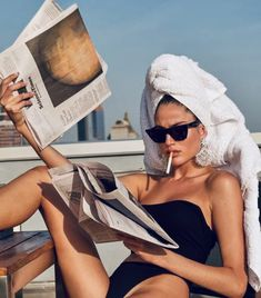 Vintage Photoshoot Poses Style Ideas For 2019 Boujee Aesthetic, Bad Girl Aesthetic, Aesthetic Vintage, Aesthetic Photo, Aesthetic Pictures, Aesthetic Painting, Aesthetic Outfit, Aesthetic Drawing, Aesthetic Clothes
