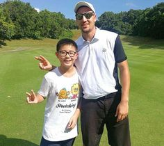 #KlayThompson visits the MissionHills Golf Course in China part of his #ANTAChinaTour on July 1st.