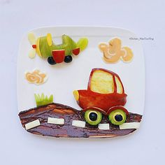 Car & plane fruit snacks by (@kitchen_maotouying)