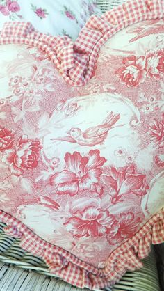 Ruffled and corded heart pillow - toile and checks Ash Tree Cottage: Pillow Talk Heart Pillow, Pillow Talk, Sewing Crafts, Sewing Projects, Red Cottage, French Fabric, French Decor, Red And White, Pink White