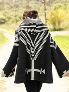 Lindsey Thornburg Los Ojos Trench Cloak for Pendleton Love Fashion, Winter Fashion, Womens Fashion, Curvy Fashion, Style Fashion, Native American Fashion, Native Fashion, Native Style, Hippie Chic