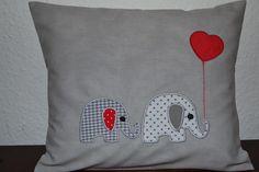 Kissen Namenskissen Kuschelkissen Elefant  von *Grand-mère Mimi* auf DaWanda.com