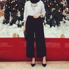 Hijabi Date night outfit tips and tricks Modern Hijab Fashion, Street Hijab Fashion, Islamic Fashion, Muslim Fashion, Modest Fashion, Fashion Outfits, Trendy Fashion, Hijab Casual, Hijab Chic