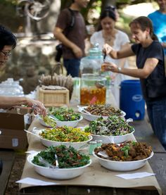 40 Amazing Family Reunion Ideas *Lots of serve yourself ideas! Pictured: Salad Bar
