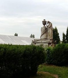 Familia Sturdza monument funerar Romania, Statue Of Liberty, Mount Rushmore, Mountains, Nature, Travel, Statue Of Liberty Facts, Naturaleza, Viajes