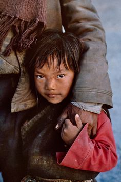 Silent Language of Hands | Steve McCurry