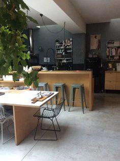 Home | Chaises Knoll + tabourets Tolix