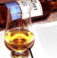 Wieczorny relaks :) #TheGlenlivet #FoundersReserve #whisky https://www.facebook.com/photo.php?fbid=447681962098831&set=o.145945315936&type=3&theater