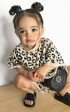 Cute Baby Twins, Cute Mixed Babies, Cute Baby Girl Outfits, Cute Outfits For Kids, Cute Baby Clothes, Toddler Outfits, Cute Kids, Little Girl Fashion, Kids Fashion