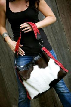 I tried this bag on at Western Christmas and it was Perfection! Great size, color, and a comfortable shoulder strap!