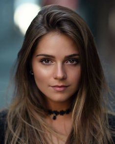 Na obrázku môže byť: 1 osoba, detail Most Beautiful Faces, Beautiful Eyes, Gorgeous Women, Girl Face, Woman Face, Brunette Beauty, Attractive People, Dark Hair, Beautiful Actresses
