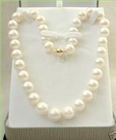 """14K Solid Gold Clasp 8-9 MM White Akoya Cultured Pearl Necklace 18kt Clasp <br/>Ref 1405 <br/><br/>I want to be very honest here, these are only """"A"""" Grade Akoya Pearls therefore are not perfectly round, etc and a few near the clasp have low luster (see bottom of this ad to see how grading scales work)"""