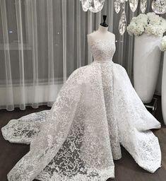 Ali Younes wedding dress.
