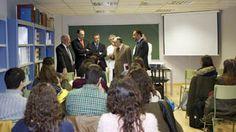 El rector Esteban Morcillo inaugura les noves aules per a la docència a l'Hospital Universitari Doctor Peset