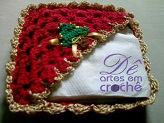 Natal Decoração - Porta Guardanapos em crochê com tema de Natal.by Dê Artes em Crochê.http://www.elo7.com.br/porta-guardanapos-em-croche-natal/dp/58C2B9