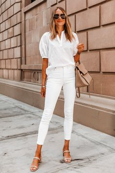 Fashion Jackson tells us her top outfit ideas for the weekend. Jeans Skinny Branco, White Skinny Jeans, White Skinnies, Casual Summer Dresses, Summer Outfits, Casual Outfits, Long Dresses, Trendy Dresses, Spring Dresses