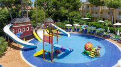 Hotelli Viva Mallorcan uima-altaat lasten altaineen, hauska leikkipaikka ja moninaiset harrastukset tarjoavat otolliset olosuhteet onnistuneeseen lomaan lasten kanssa. #Mallorca #Ca'n Picafort