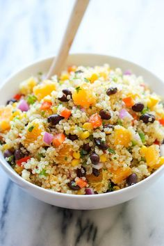 Black Bean Quinoa Salad Get the Latest Recipes Right in your Inbox:A light and healthy quinoa salad tossed in a refreshing orange vinaigrette, chockfull of protein Quinoa Salad Recipes, Lunch Recipes, Vegetarian Recipes, Cooking Recipes, Healthy Recipes, Quinoa Recipe, Healthy Corn, Water Recipes, Healthy Protein