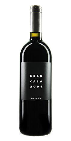 Quadratisch, praktisch, gut. Und dann erst der Wein!! ...außergewöhnlch, fest und rund. Dieses schwarze Traubenmanöver torpediert jedes Standartmenü! http://xanthurus.de/brancaia-ilatraia-rosso-maremma-toscana