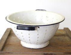 vintage 1930s enamelware colander. White and blue large enamel strainer. Rustic primitive farmhouse kitchen ware.