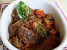 JOUES DE PORC EN DAUBE Pork Recipes, Crockpot Recipes, Healthy Recipes, Pork Dishes, Wok, Pot Roast, No Cook Meals, Entrees, Delish