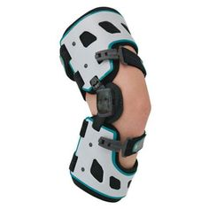 Designed for reducing knee pain caused by unicompartmental osteoarthritis of the knee and often helps delay the need for surgery. Tibial Plateau Fracture, Ankle Fracture, Knee Osteoarthritis, Knee Arthritis, Ligament Injury, Severe Ankle Sprain, Acl Brace, Plantar Fasciitis Night Splint, Braces Cost