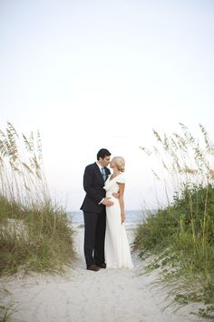 Hilton Head Island Wedding / Style Me Pretty / Photography By http://landonjacob.com #beach #beach wedding