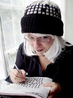 A fun way to learn fairisle knitting! A crossword puzzle hat. I love that she used letter beads to fill in some of the squares. Great way to personalize the hat!!!