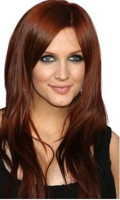 Ashlee Simpson with Mahogany hair - What is the difference between mahogany and auburn hair color? Read about the different shades of red hair color here.