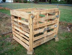 pallet furniture | ... to Build a Compost Bin out of Wooden Pallets | Pallet Furniture DIY
