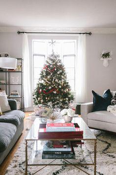Holiday Decor + Christmastime Decorating Ideas!