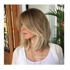 Brunette Balayage for Thick Hair - 50 Cute Long Layered Haircuts with Bangs 2019 - The Trending Hairstyle Medium Hair Styles, Curly Hair Styles, Hair Medium, Modern Bob Haircut, Bob Hairstyles For Fine Hair, Brown Blonde Hair, Layered Hair, Hair Highlights, Short Hair Cuts