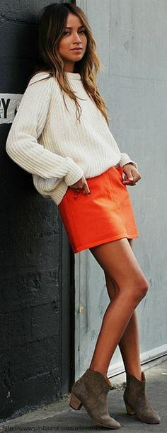 99 Stylish and Casual Mini Skirt Sweater Outfits Ideas - Aksahin Jewelry Fashion Mode, Look Fashion, Womens Fashion, Fashion Trends, Skirt Fashion, Fashion Clothes, Fall Fashion, Outfit Trends, Mode Inspiration