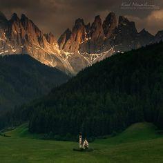 Val di Funes. Tyrol Południowy, Dolomity.  w: Santa maddalena val di funes.